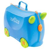 Trunki suitcase keeps toddlers entertained during flight delays