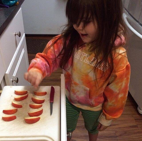 Why I think kids should do chores that aren't 100% safe (Photo credit: @unschooling_flymom on Instagram)