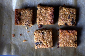 Thick, chewy, homemade granola bars