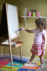 Independent painting station (the secret: paint-pucks!)