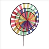 Cool summer entertainment: pinwheel in front of a fan