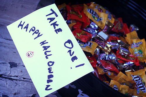 Halloween candy bowl. Photo credit: GinRobot via Flickr/Creative Commons